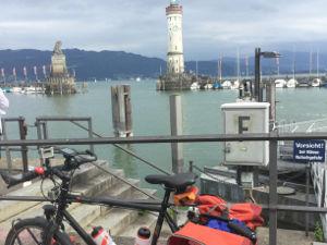 Lindau Leuchtturm am Bodensee - Radreise und Radurlaub am Bodenseeradweg