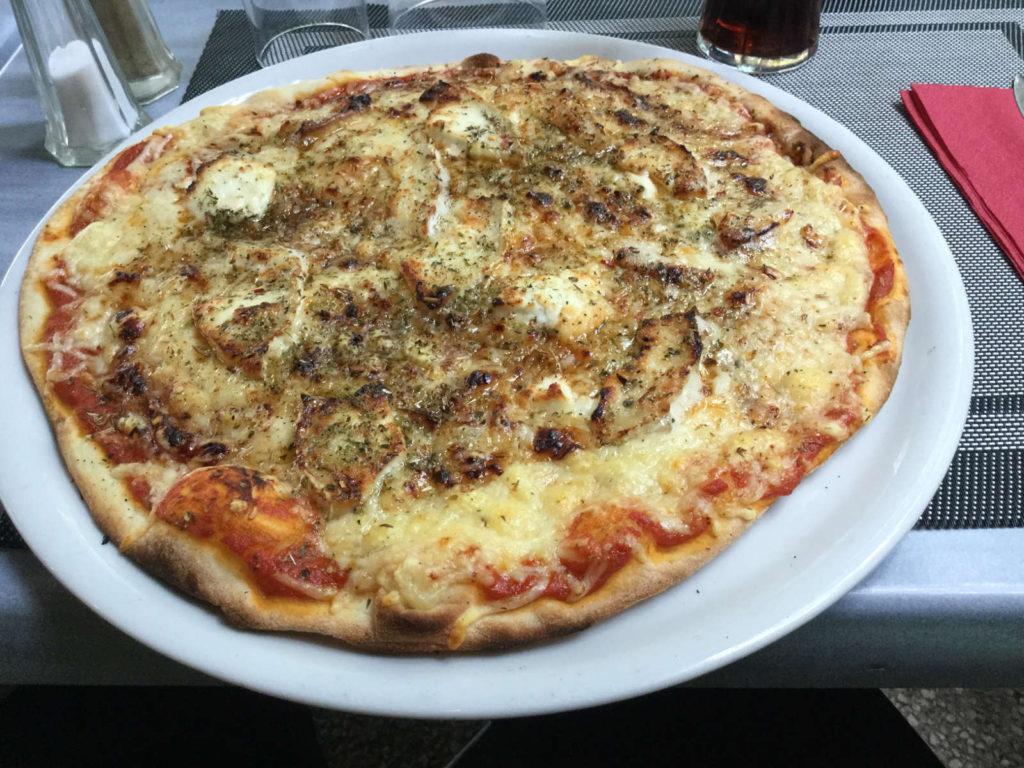 Pizza Nimes Fahrradtour Fahrradwegzehrung