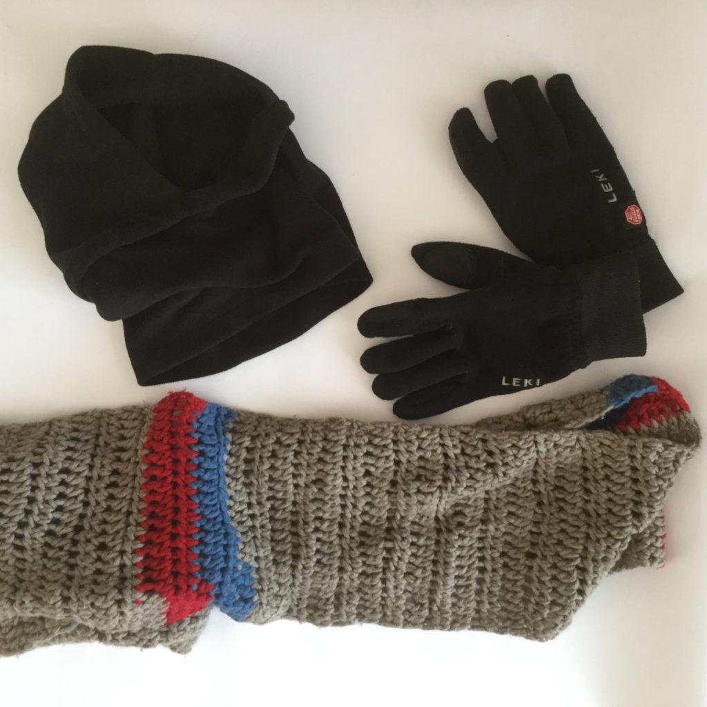 Fahrradmütze Fahrrad-Handschuhe Schal. Fahrradbekleidungs-Tipps für die Winter-Fahrradfahrt