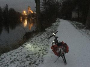 nuertingen-bei-nacht-fahrradtour-neckarradweg-winter