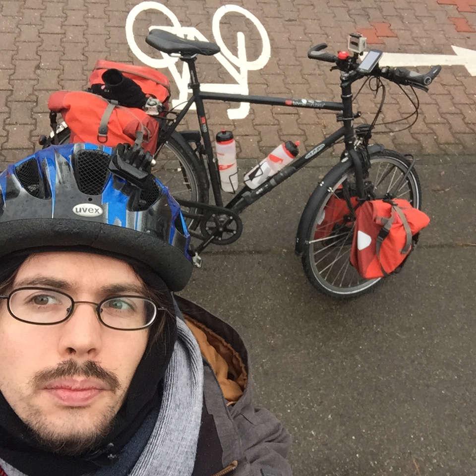 Geislingen an der Steige Alptäler Radweg Fahrradhelm mit Riss