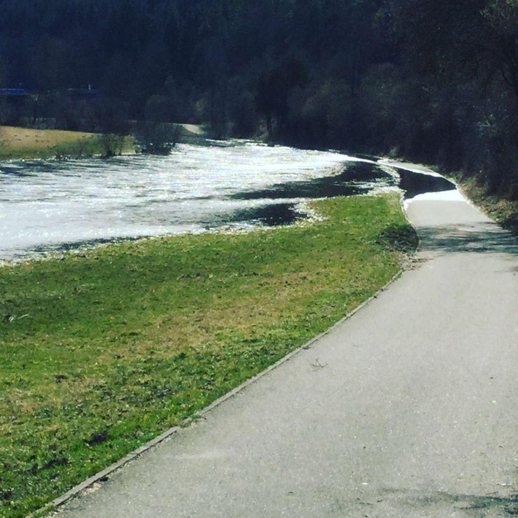 Donauradweg Überschwemmung Sperrung bei Tuttlingen-Möhringen