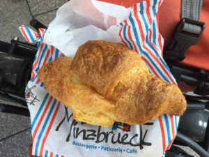 Croissant in Straßburg Rheinradweg Erfahrungsbericht
