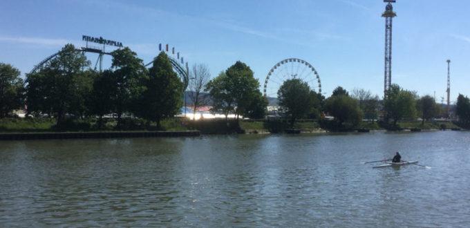 Bad Cannstatt Volksfest Rießenrad - am Neckarradweg vorbeigefahren