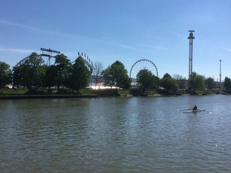 Bad Cannstatt Volksfest Rießenrad - am Neckarradweg vorbeigefahren - Neckartalradweg