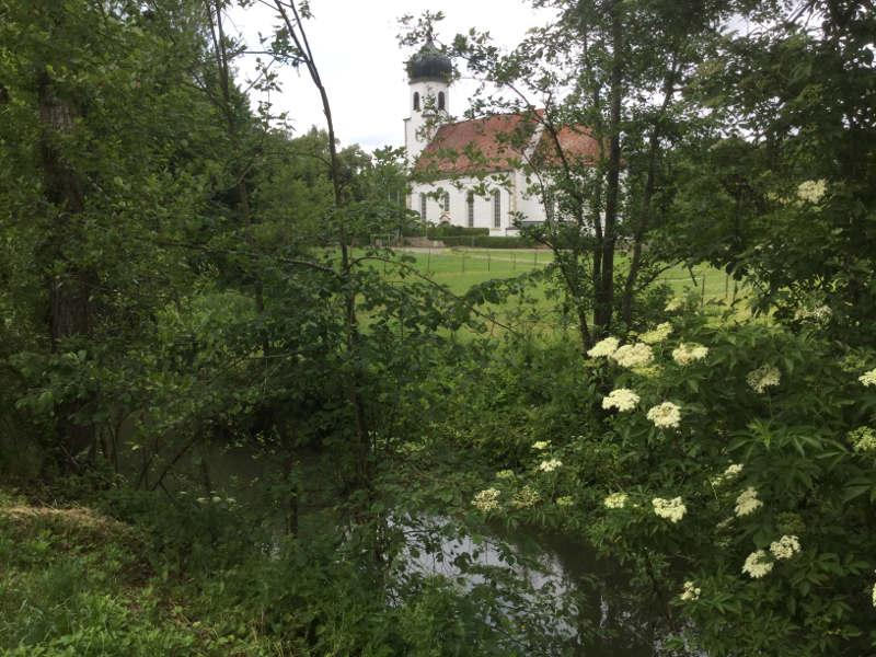 Kirche in Ammerbuch-Poltringen am Ammertalradweg