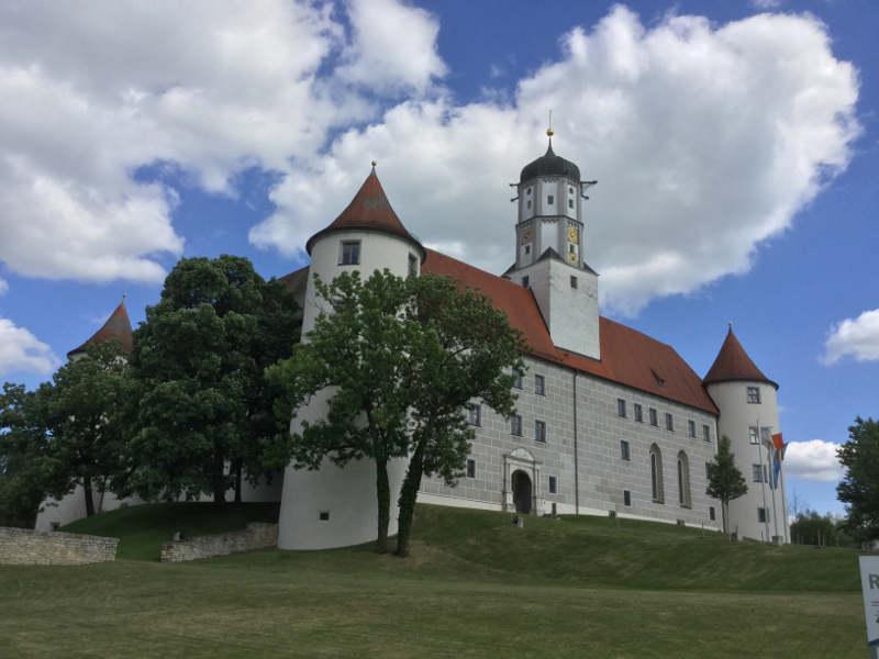 Höchstädt an der Donau - Schloss am Donauradweg