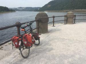 Fahrrad-Unterkunft in Koblenz am Deutschen Eck. Dort fließt die Mosel in den Rhein. Ende des Moselradwegs.