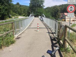 Siebenmühlentalradweg in Waldenbuch - Der Start bei der Brücke