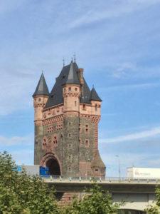 Worms Nibelungenturm - Rheintour - Fahrradtour am Rhein