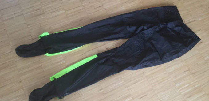 Regenhose von Decathlon - B'twin 900