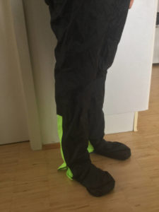 Regenhose Decathlon - B'Twin angezogen