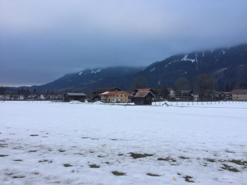 Oberstdorf - Blick vom Illerradweg auf die Alpen - Schnee