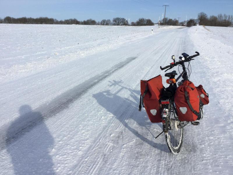 Fahrradfahren im Schnee