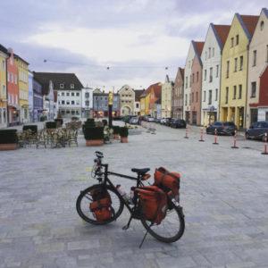Dingolfing - bunt - Innenstadt mit meinem Fahrrad - an der Isar entlang