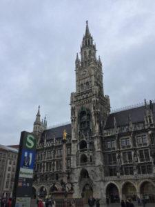 München Rathaus - Am Isarradweg Radfernweg München-Venedig