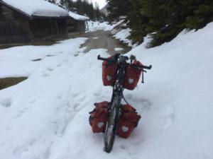 Schnee auf dem Weg zum Isarursprung, zur Isarquelle