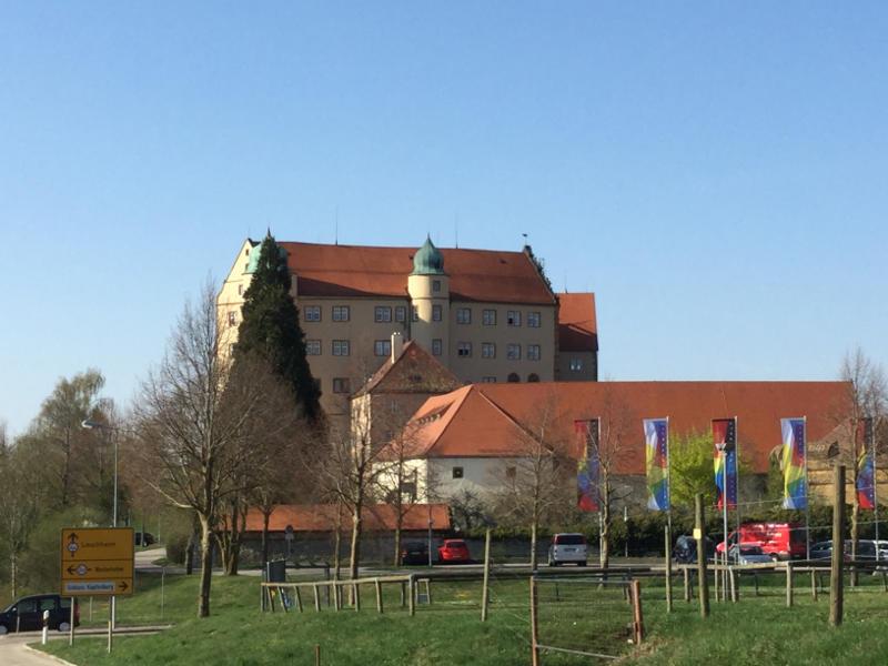 Schloss Kapfenburg am Kocher-Jagst-Radweg