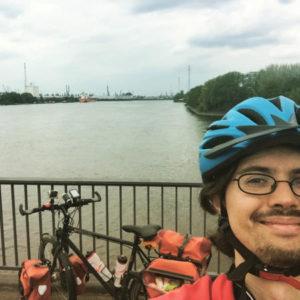 Alte Harburger Elbbrücke - Übergang Süderelbe - Selfie mit Fahrrad und weitem Blick