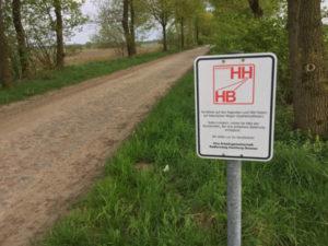 Kopfsteinpflaster vor Heidenau in Niedersachsen - Hamburg-Bremen-Radweg