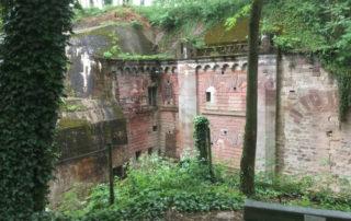 Bei Mundolsheim das Fort Ducrot - Podbielski - Radweg zu den Forts - Piste des Forts