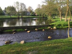 Sittensen - Ortseingang - sehr schöner See - Hamburg-Bremen-Radweg
