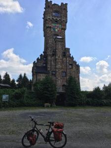 Altvaterturm, Rennsteig-Radweg. Zwischen Lehesten und Brennersgrün.