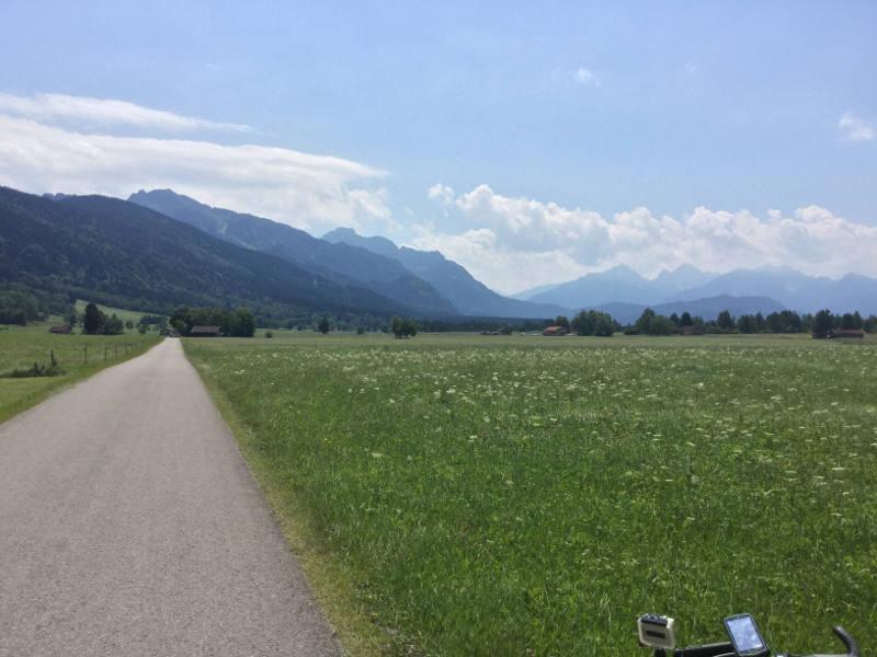 Halblech Blick nach Schwangau - Landschaft Allgäuradweg Allgäu