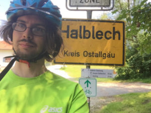 Halblech Allgäuradweg Ortsschild Fahrradfahrer
