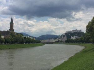 Salzburg - Salzach - Mozartradweg schön