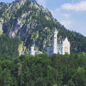 Das Schloss Neuschwanstein in Schwangau auf dem Allgäuradweg - Romantische Straße