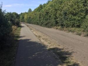 Hinter Paaren - Staubstraße - Asphaltstraße für Radfahrer - Havellandradweg