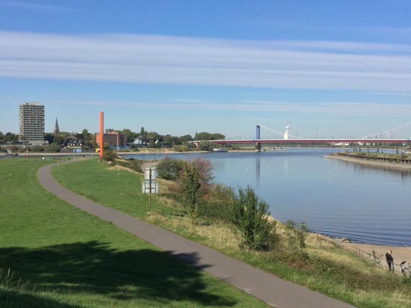 Rhein und Ruhr - Zusammenfluss - Rheinradweg Duisburg