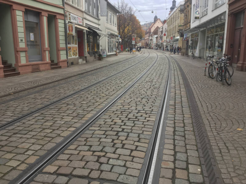 Fahrradverkehr vs. Straßenbahn - Karlsruhe-Durlach