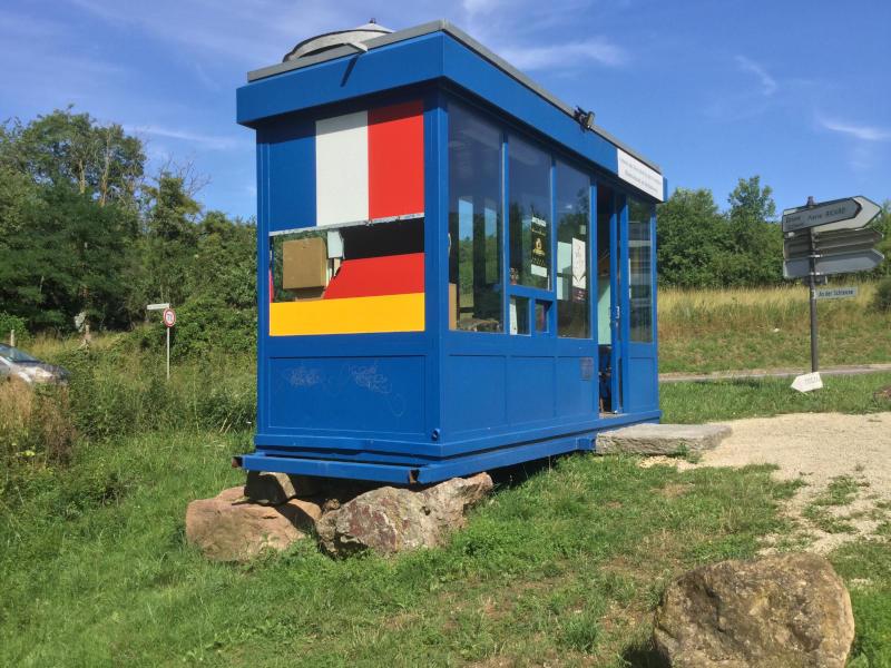 Fahrrad-Unterkunft in Perl - Dreiländereck - Deutschland, Luxemburg, Frankreich - Bücherhäuschen