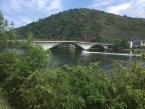 Brücke in Treis-Karden am Moselradweg - Fahrrad-Unterkünfte in Treis-Karden