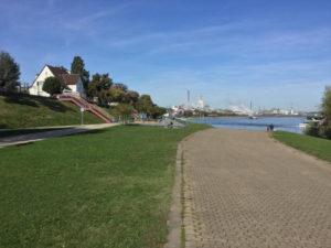 Wesseling bei Köln und bei Bonn - Rheinradweg - Unterkunft