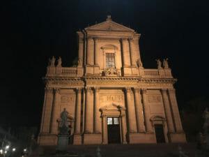 Kirche in Solothurn - St. Ursenkathedrale bei Nacht - Aare-Radweg