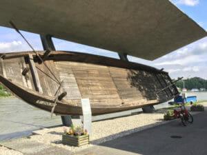Aschach an der Donau - Schiff - Donauradweg Österreich