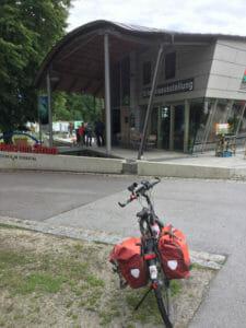 Umweltbildungszentrum Haus am Strom - Jochenstein - Donauradweg Deutschland