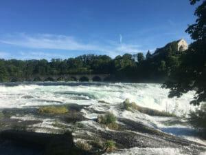 Rheinfall in Schaffhausen in der Schweiz - Bodenseeradweg in 50 Kilometer-Etappen