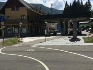 Grenze Arnoldstein-Unterhörtl und Coccau Valico - Italien und Österreich - Alpe-Adria-Radweg