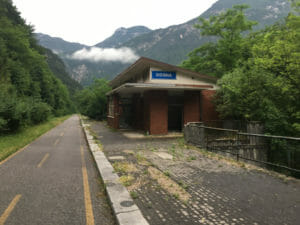 Bahnhof Dogna - Bahntrassenweg - Alpe-Adria-Radweg