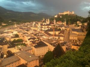 Salzburg - Ausblick bei Nacht - Dämmerung - Alpe-Adria-Radweg