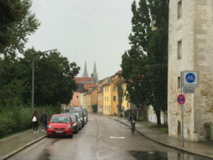 Regensburger Dom - Fünf-Flüsse-Radweg - Regensburg im Regen
