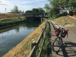 Canal du Rhône au Rhin - französischer Rheinradweg - Eschau mit Fahrrad