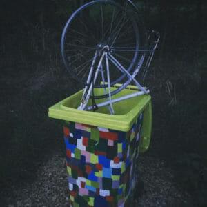 Kunst Oeventrop - Fahrrad im Müll - Ruhrtalradweg