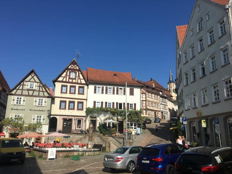 Innenstadt von Bad Wimpfen - abseits vom Radweg mit Fachwerkhäusern - Neckarradweg