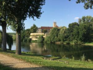 Grafenburg Lauffen am Neckar - Neckartalradweg