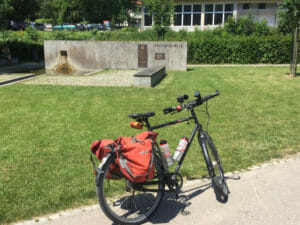Neckarursprung im Stadtpark in Schwenningen - Neckarradweg